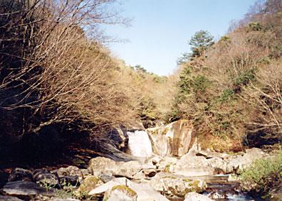 渓谷の美しい景色が続く