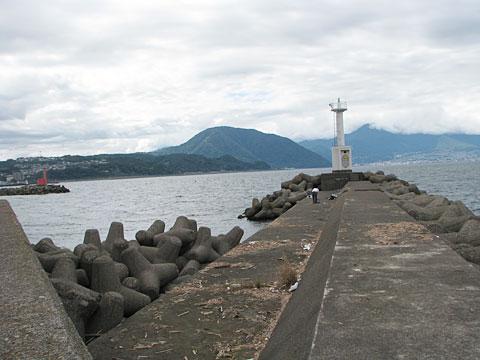 五号地の白灯台