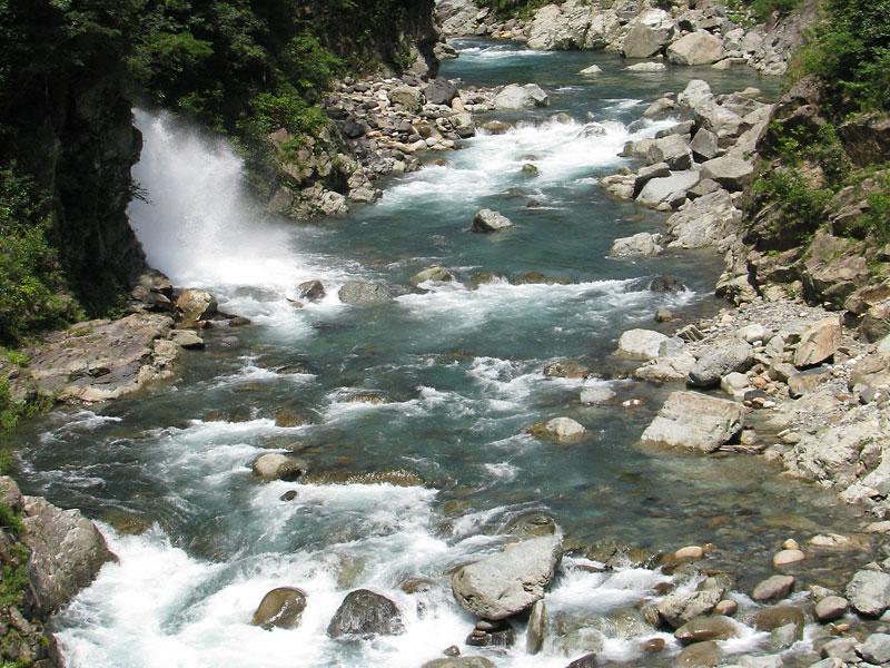 荒瀬 五ヶ瀬川水系支流から