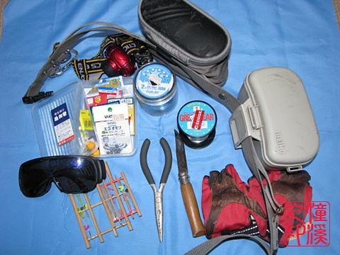 ポーチの中の釣り道具