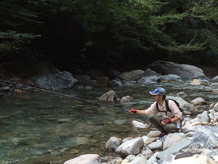 憧渓の釣り姿